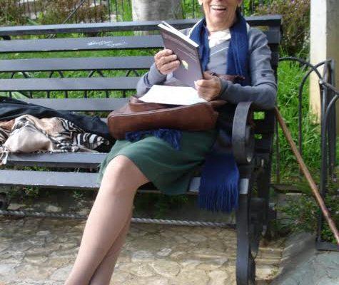 Aura-feliz-leyendo